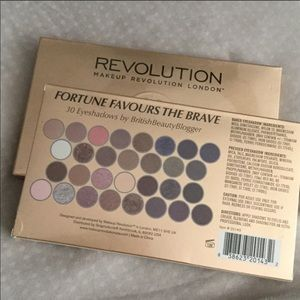 MAKEUP REVOLUTION Fortune Favours The Brave shadow